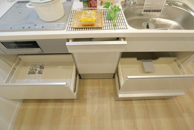 日商岩井桜新町マンション キッチン