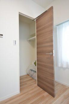 クレセントマンション 洋室2