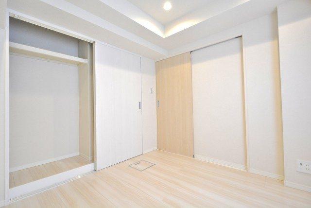三田ナショナルコート 洋室2
