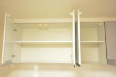 キッチン上の収納棚