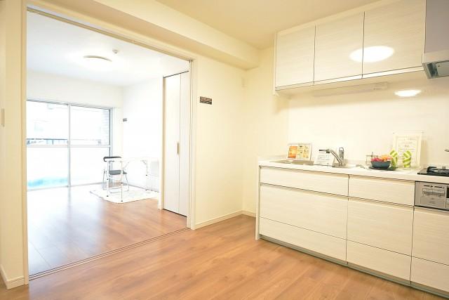 LDKと洋室をつなげて広々とした空間に♪