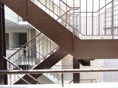 朝日三番町プラザ 非常階段601