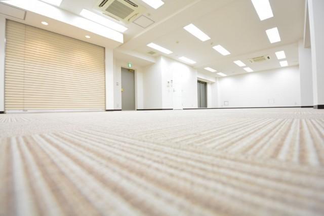 クローバー六本木 絨毯敷きです。001
