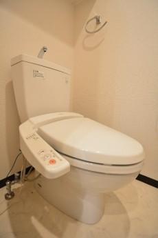 クローバー六本木 トイレ001