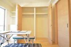 ライオンズマンション学芸大学 約5.1畳の洋室収納 約5.1畳の洋室