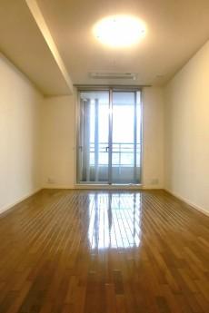 青山パークタワー 洋室約12.1帖
