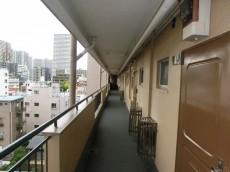 月島福寿マンション 共用廊下
