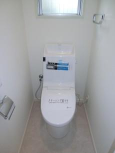 薬王寺ニューハイツ トイレにも窓があります