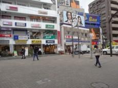 京王線明大前駅前