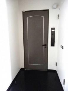 メゾンセゾン落合 玄関前