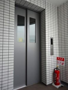 プレミアムキューブ都立大学 エレベーター