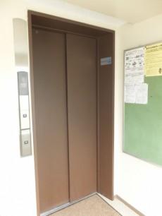 初台中央マンション エレベーター