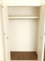 ライオンズマンション東麻布 洋室約5.8帖収納