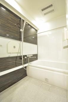 芦花公園ヒミコマンション 浴室乾燥機と追い焚き機能付きバス