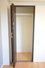 ライオンズマンション北千束 約5.1畳の洋室収納