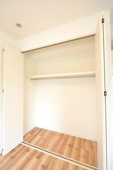 GSハイム都立大 5.5帖洋室のクローゼット