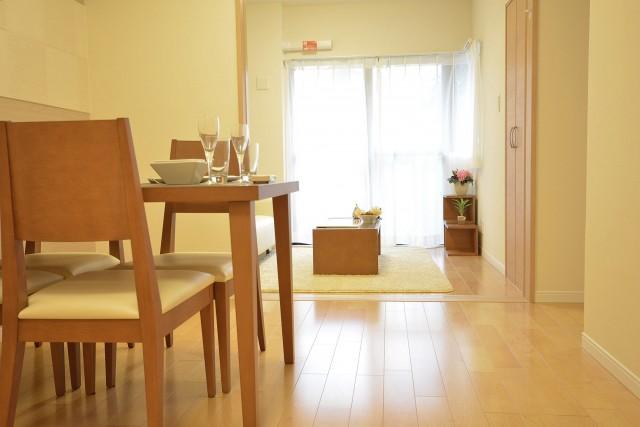 ライオンズマンション赤堤第2 リビング+約4.3畳の洋室