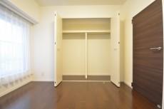 明大前グランドハイツ 約5.4畳の洋室のクローゼット