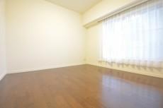 明大前グランドハイツ 約5.4畳の洋室