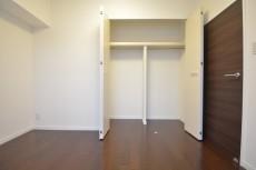 明大前グランドハイツ 約4.9畳の洋室のクローゼット