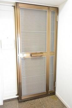 網戸付きの玄関