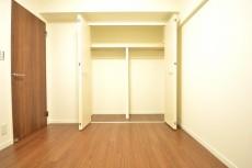 飯田橋第1パークファミリア 洋室約5.3畳
