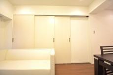 飯田橋第1パークファミリア リビングの3枚可動式扉