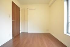 マンション都立大 約5.0畳の洋室