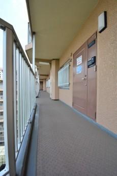 玄関前の共用廊下