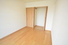 洋室約6.3畳のクローゼット