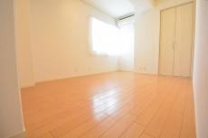 ST青山 約7.0畳の洋室
