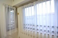 コンフォール四谷 洋室
