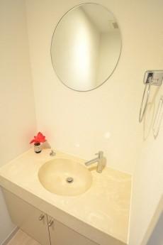 トイレはうれしい手洗い場付き♪