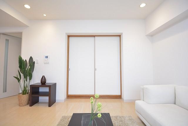 約6.8畳の和室の扉