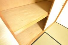 約6.8畳の和室の押し入れ