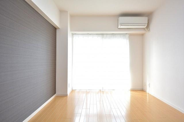 エアコン新設済みの約6.0畳の洋室
