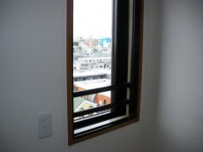 クレストコート中落合 キッチン窓