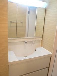 青山アジアマンション 洗面化粧台