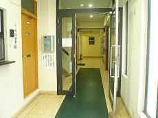 青山アジアマンション エントランス