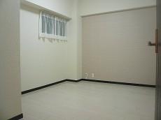 コープ野村六本木Ⅱ 小窓付洋室5.4帖