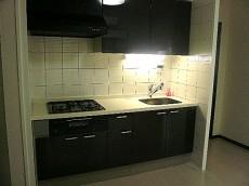 コープ野村六本木Ⅱ 白いタイルが素敵なキッチン