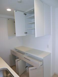 キッチンの食器棚