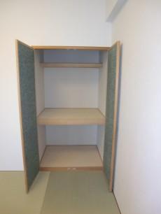 約4.5帖 琉球畳の和室(収納)