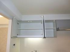 ヴィラグレイス西落合 キッチン上部の吊戸棚