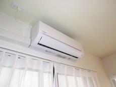 ヴィラグレイス西落合 リビングにはエアコン設置済