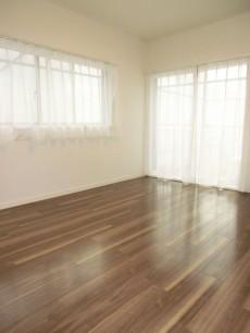 ヴィラグレイス西落合 約6.4帖の洋室