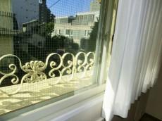 シャンボール松濤 リビング窓は二重サッシ