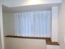 シャンボール松濤 キッチン横手は窓&カウンター
