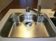 パセオ青山 シンクの水栓は浄水器一体型