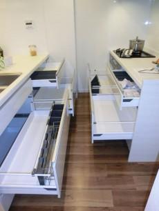 ゆったりサイズのキッチン